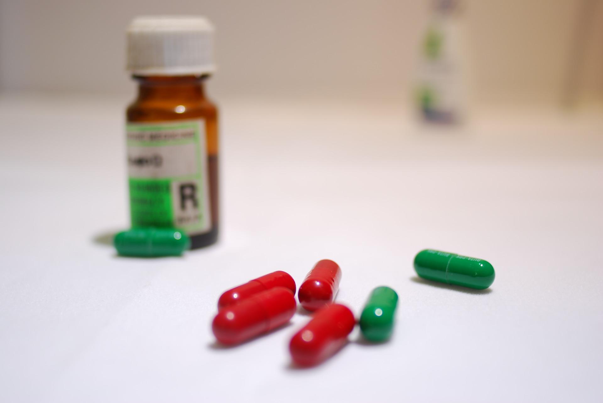 medicines-1797127_1920
